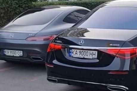 В Україні помітили відразу п'ять автомобілів з однаковими номерними знаками